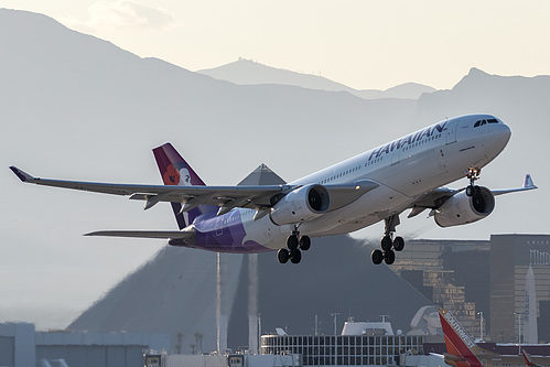 Hawaiian Airlines Airbus A330-200 N391HA at McCarran International Airport (KLAS/LAS)