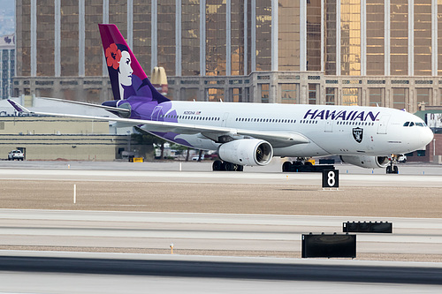Hawaiian Airlines Airbus A330-200 N393HA at McCarran International Airport (KLAS/LAS)