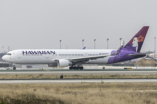 Hawaiian Airlines Boeing 767-300ER N580HA at Los Angeles International Airport (KLAX/LAX)