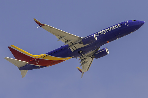 Southwest Airlines Boeing 737-800 N8677A at Los Angeles International Airport (KLAX/LAX)