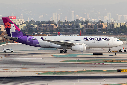 Hawaiian Airlines Airbus A330-200 N396HA at Los Angeles International Airport (KLAX/LAX)