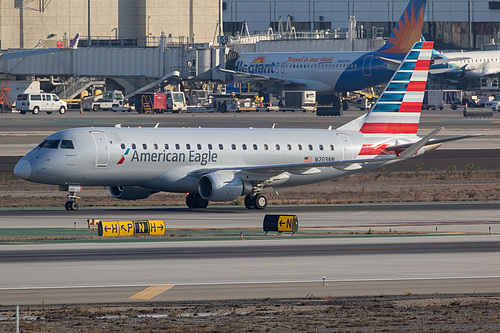 Compass Airlines Embraer ERJ-175 N203NN at Los Angeles International Airport (KLAX/LAX)