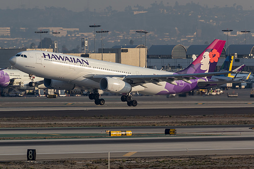 Hawaiian Airlines Airbus A330-200 N379HA at Los Angeles International Airport (KLAX/LAX)