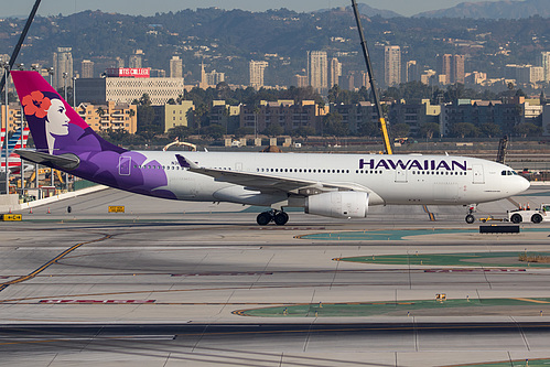 Hawaiian Airlines Airbus A330-200 N382HA at Los Angeles International Airport (KLAX/LAX)