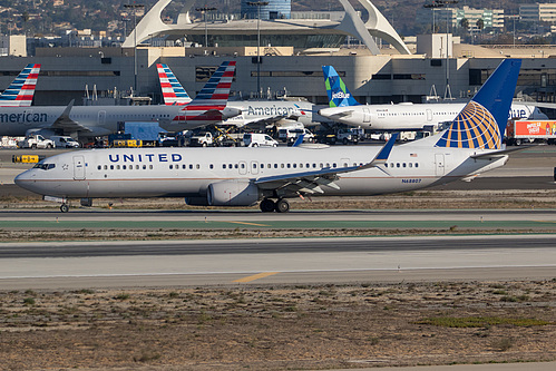 United Airlines Boeing 737-900ER N68807 at Los Angeles International Airport (KLAX/LAX)