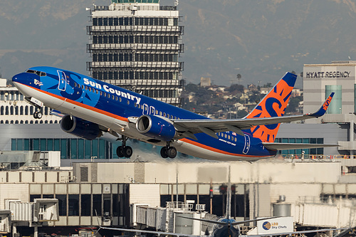 Sun Country Airlines Boeing 737-800 N823SY at Los Angeles International Airport (KLAX/LAX)
