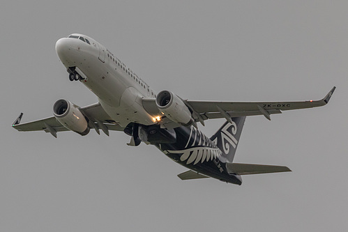 Air New Zealand Airbus A320-200 ZK-OXC at Auckland International Airport (NZAA/AKL)