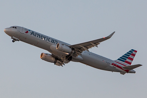 American Airlines Airbus A321-200 N107NN at Los Angeles International Airport (KLAX/LAX)
