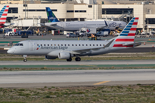 Compass Airlines Embraer ERJ-175 N211NN at Los Angeles International Airport (KLAX/LAX)