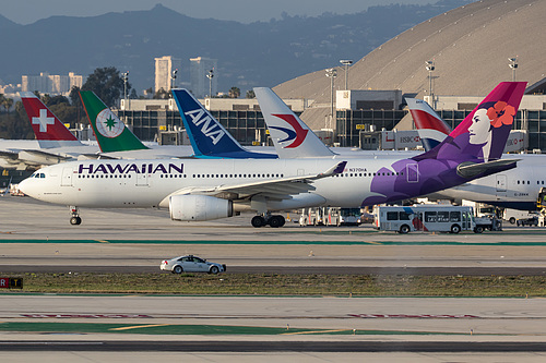 Hawaiian Airlines Airbus A330-200 N370HA at Los Angeles International Airport (KLAX/LAX)