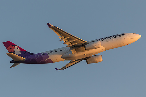 Hawaiian Airlines Airbus A330-200 N374HA at Los Angeles International Airport (KLAX/LAX)