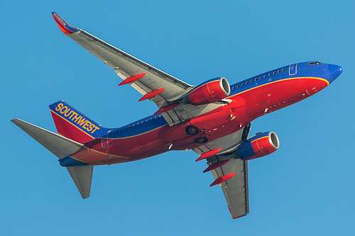 Southwest Airlines Boeing 737-700 N488WN at Los Angeles International Airport (KLAX/LAX)
