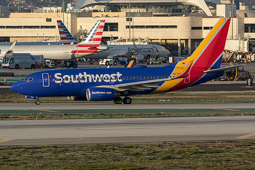 Southwest Airlines Boeing 737-700 N778SW at Los Angeles International Airport (KLAX/LAX)