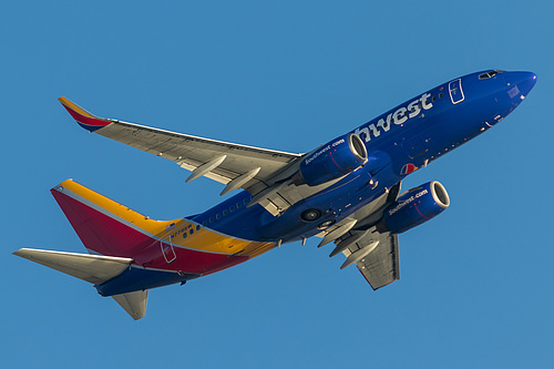 Southwest Airlines Boeing 737-700 N779SW at Los Angeles International Airport (KLAX/LAX)