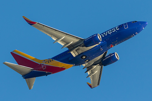 Southwest Airlines Boeing 737-700 N937WN at Los Angeles International Airport (KLAX/LAX)