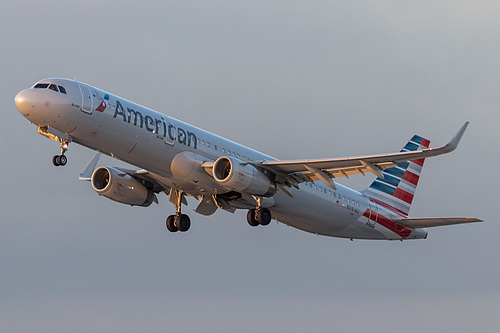 American Airlines Airbus A321-200 N991AU at Los Angeles International Airport (KLAX/LAX)