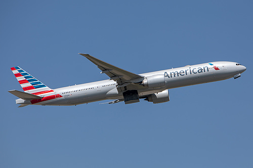 American Airlines Boeing 777-300ER N726AN at London Heathrow Airport (EGLL/LHR)