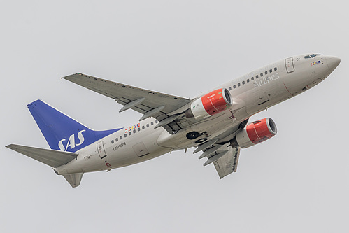 Scandinavian Airlines Boeing 737-700 LN-RRM at London Heathrow Airport (EGLL/LHR)