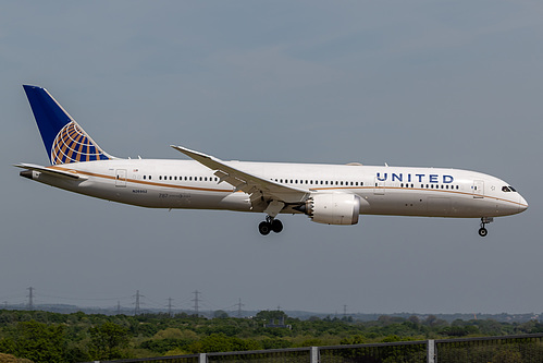 United Airlines Boeing 787-9 N26952 at London Heathrow Airport (EGLL/LHR)