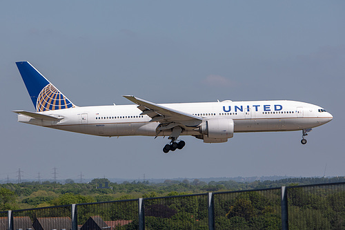 United Airlines Boeing 777-200ER N69020 at London Heathrow Airport (EGLL/LHR)