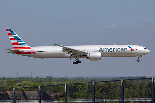 American Airlines Boeing 777-300ER N718AN at London Heathrow Airport (EGLL/LHR)