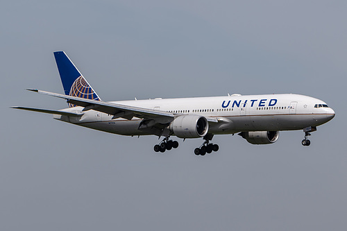 United Airlines Boeing 777-200ER N77014 at London Heathrow Airport (EGLL/LHR)