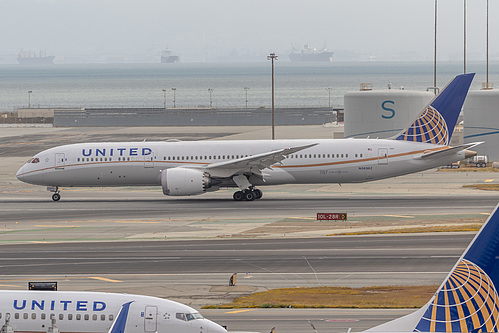 United Airlines Boeing 787-9 N36962 at San Francisco International Airport (KSFO/SFO)