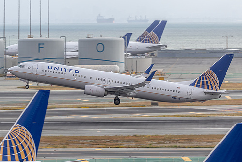 United Airlines Boeing 737-900ER N39463 at San Francisco International Airport (KSFO/SFO)