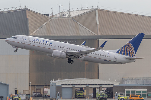 United Airlines Boeing 737-800 N73270 at San Francisco International Airport (KSFO/SFO)