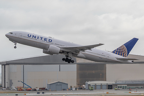 United Airlines Boeing 777-200 N781UA at San Francisco International Airport (KSFO/SFO)