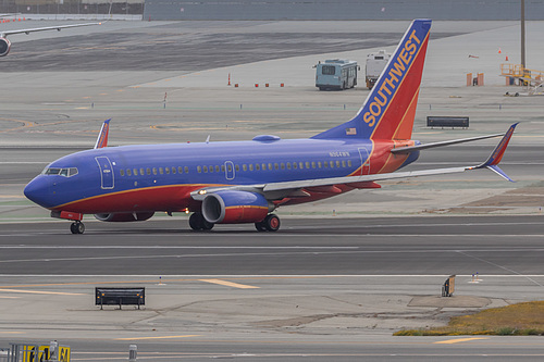 Southwest Airlines Boeing 737-700 N964WN at San Francisco International Airport (KSFO/SFO)