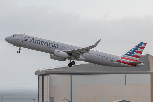 American Airlines Airbus A321-200 N988AL at San Francisco International Airport (KSFO/SFO)