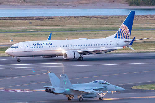 United Airlines Boeing 737-900ER N62889 at Portland International Airport (KPDX/PDX)