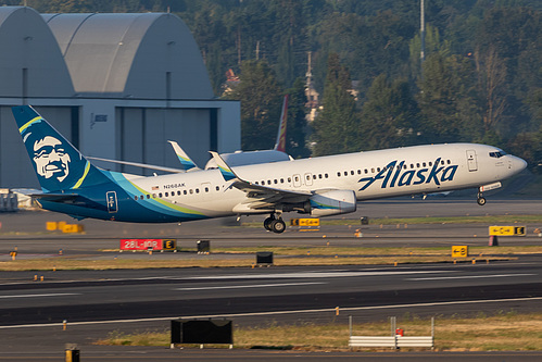 Alaska Airlines Boeing 737-900ER N268AK at Portland International Airport (KPDX/PDX)