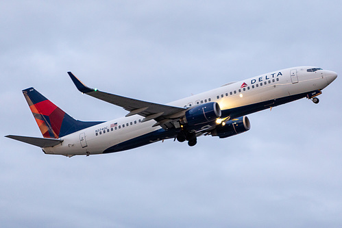 Delta Air Lines Boeing 737-800 N3740C at Portland International Airport (KPDX/PDX)