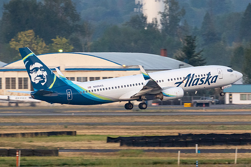 Alaska Airlines Boeing 737-800 N508AS at Portland International Airport (KPDX/PDX)