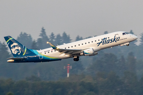 Horizon Air Embraer ERJ-175 N631QX at Portland International Airport (KPDX/PDX)
