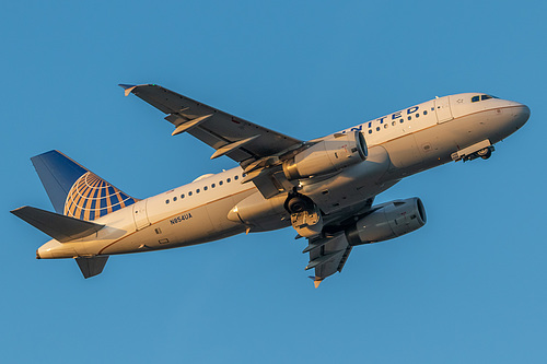 United Airlines Airbus A319-100 N854UA at Portland International Airport (KPDX/PDX)
