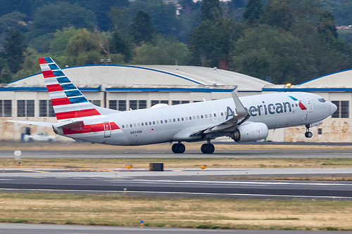 American Airlines Boeing 737-800 N894NN at Portland International Airport (KPDX/PDX)