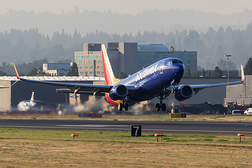 Southwest Airlines Boeing 737-800 N8510E at Portland International Airport (KPDX/PDX)