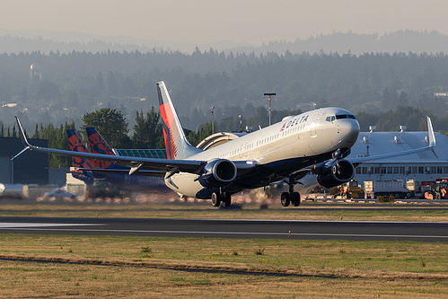 Delta Air Lines Boeing 737-900ER N913DU at Portland International Airport (KPDX/PDX)