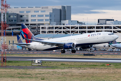 Delta Air Lines Boeing 737-900ER N925DZ at Portland International Airport (KPDX/PDX)